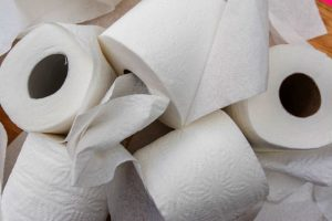 clean your bum without toilet paper